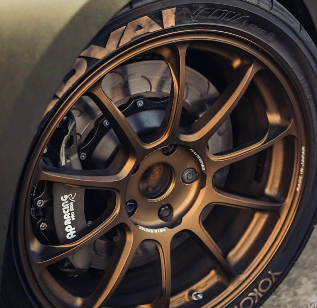 """Photo of Rays Wheels Official on Instagram: """"Volk Racing ZE40 Bronze ••• #rays #raysmsc #volkracing #volkracingoriginal #ze40 #bronze #monoblock #moldformforged #forgedwheels…"""""""