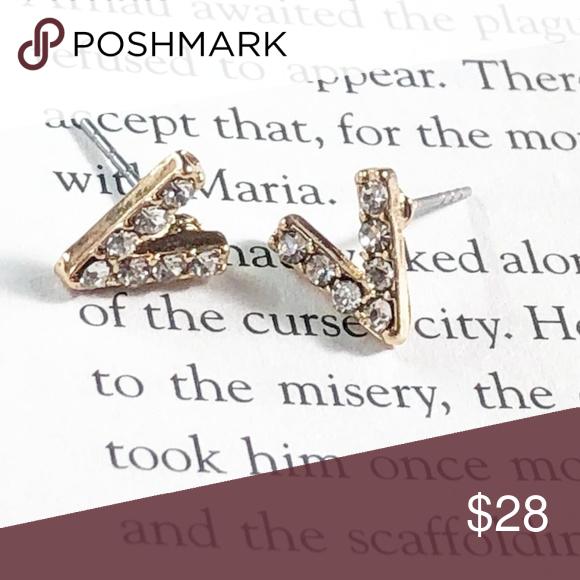 Download NEW PEACE DIAMOND STUD EARRINGS | Diamond earrings studs ...