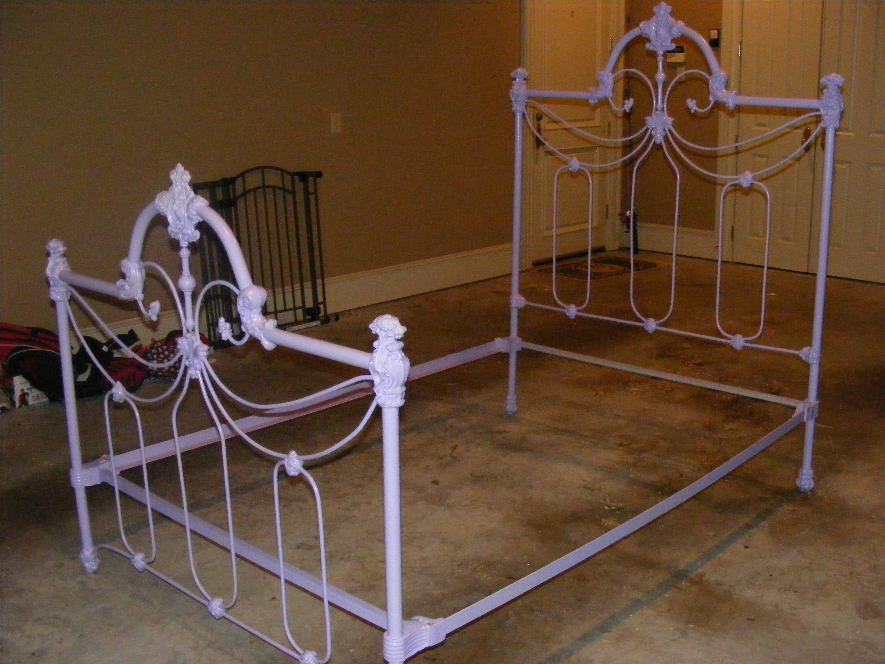 Heavy Purple Iron Twin Bed 600 00 With Images Wrought Iron
