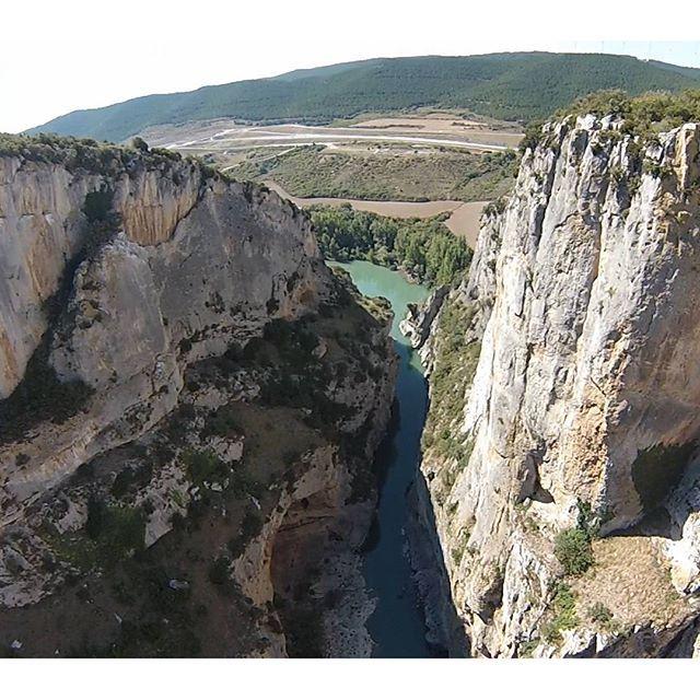 La Foz de Lumbier a vista de dron... impresionante! #Navarra (By @droncoop / #Instagram)