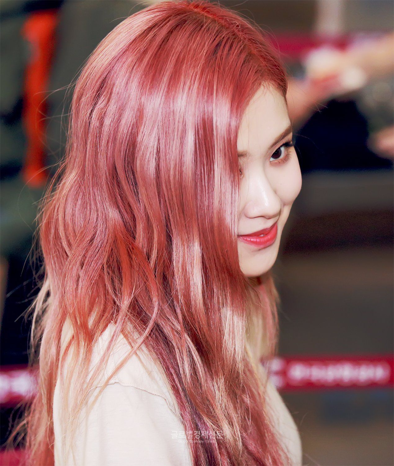 CHARMING ROSÉ on in 2020 | Rose hair, Rose pink hair, Pink hair