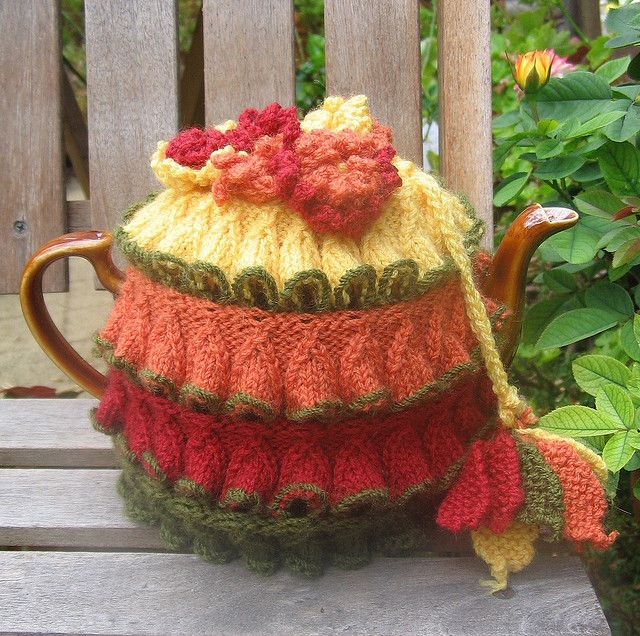 5614976de daffodil stitch vintage tea cosy by inkberryblue