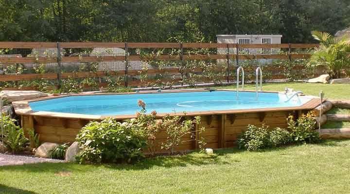 Piscina fuori terra in legno piscine fuori terra nel 2018 pinterest terra legno e piscine - Giardino con piscina fuori terra ...