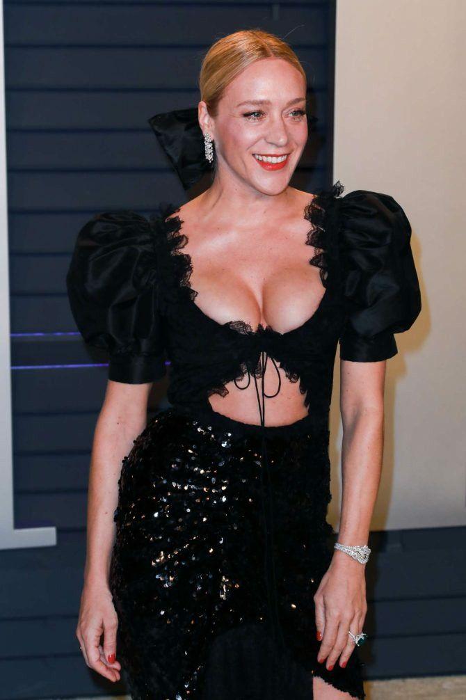 Pin by Gloria Morrison on Chloe in 2020 | Vanity fair oscar party, Chloe sevigny, Mini black dress