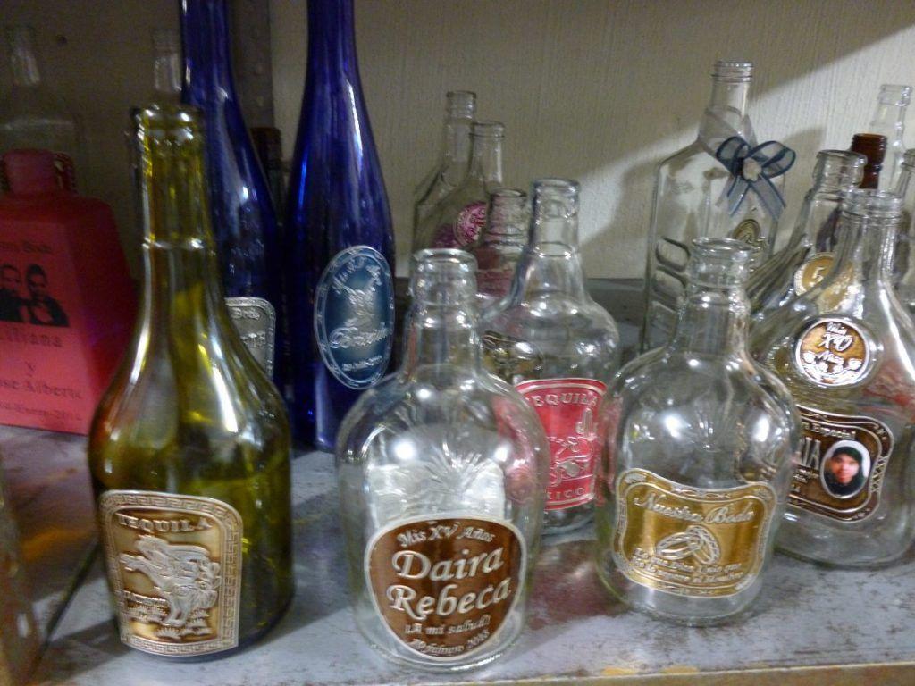 Como decorar botellas de vidrio para boda buscar con - Decorar botellas de cristal ...