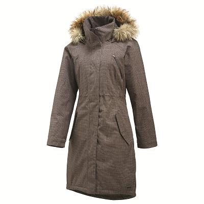 Merrellin Lohri Long Insulated Jacket on naisellinen talviloman perusparka. Suositushinta 249,00 euroa #merrell