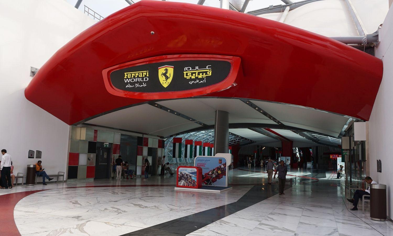 Y El Mejor Parque De Atracciones Del Mundo Es Ferrari World Abu Dhabi Ferrari World Abu Dhabi Ferrari World Abu Dhabi