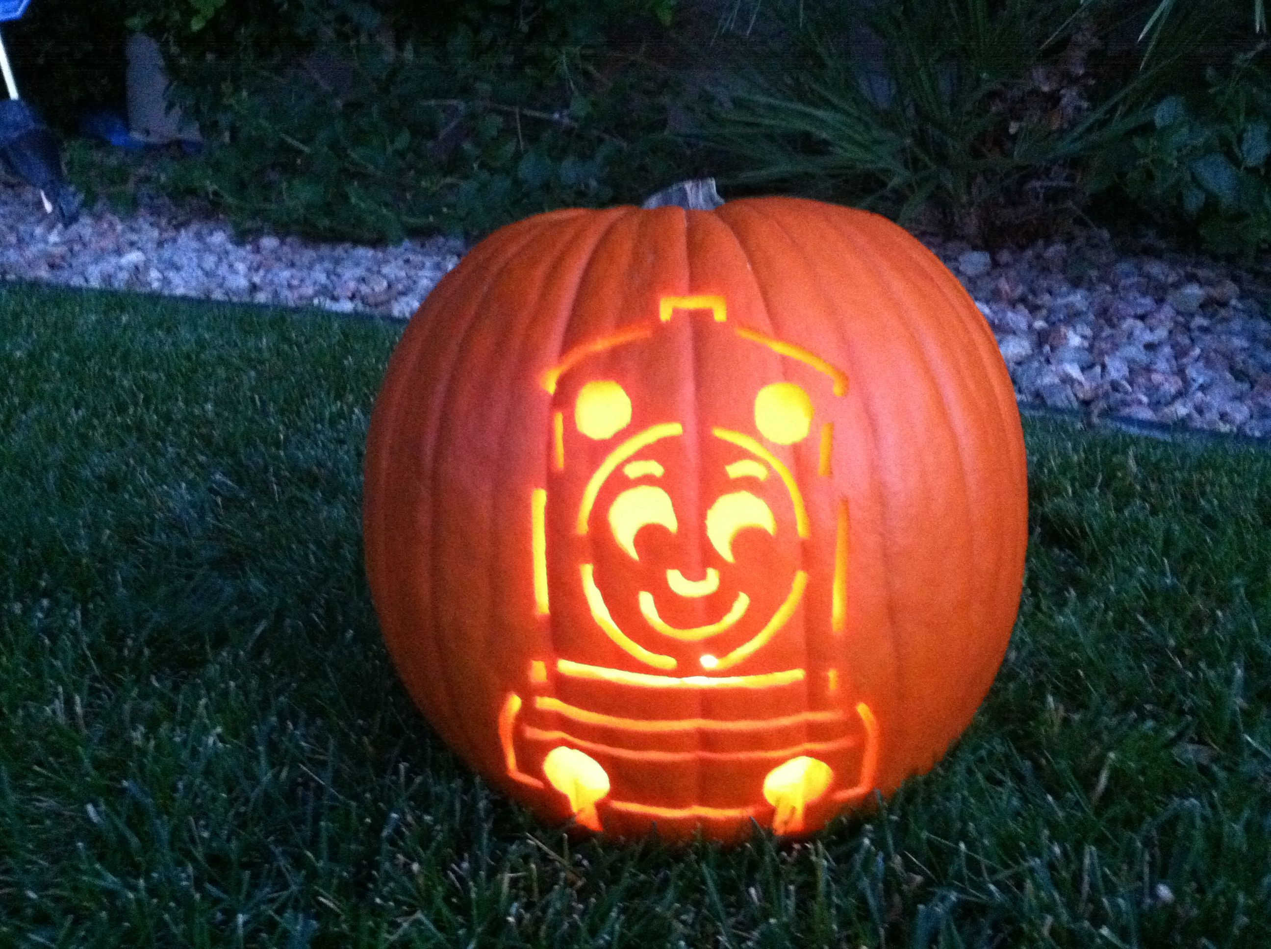 Thomas the train pumpkin carving halloween ideas for Thomas pumpkin template