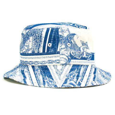 BXR FLAG BUCKET HAT: WHITE