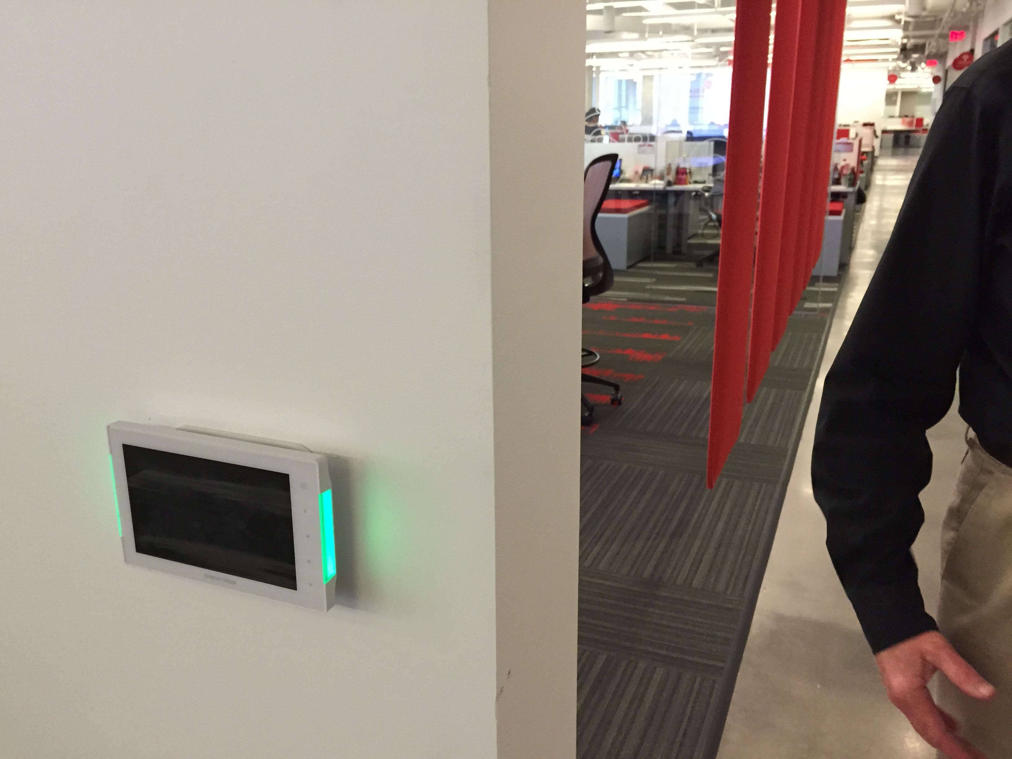 Crestron Wall Mounted Reservation System Panel System Showing If The Room Is Available Green Light Or Reserved Panel Systems Light Red Technical Innovation