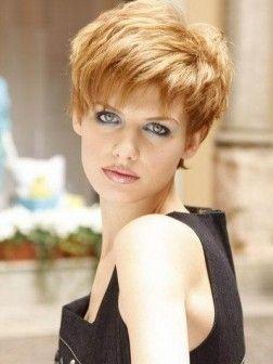 short hairstyle ceraml blonde hair color | Cheveux courts, Coupe de cheveux courte et Coupe de ...