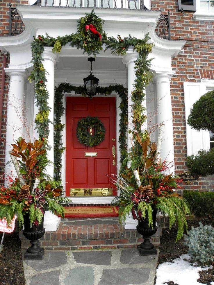 Christmas Decorations For Neighborhood Entrances : A whole bunch of christmas entry and porch ideas