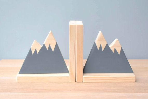 Gray Mountain Bookends Bookends For Kids Child Bookend Mountain State Scandinavian Decor Woodland Nursery Decor Woodland Theme Kinderkamer Pallethout Huisdecoratie