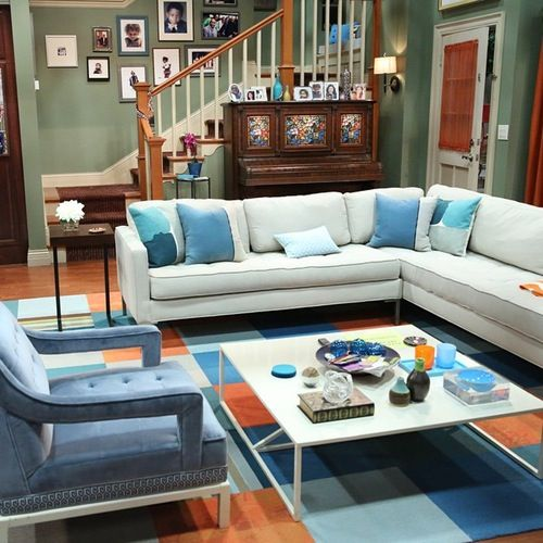 Check Out This Behind-the-Scenes Pic of the \'K.C. Undercover\' Set ...