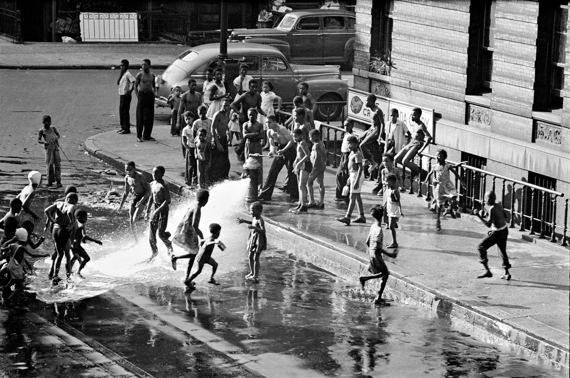0010 Revisiting Gordon Parks' Classic Photo Essay, 'Harlem Gang