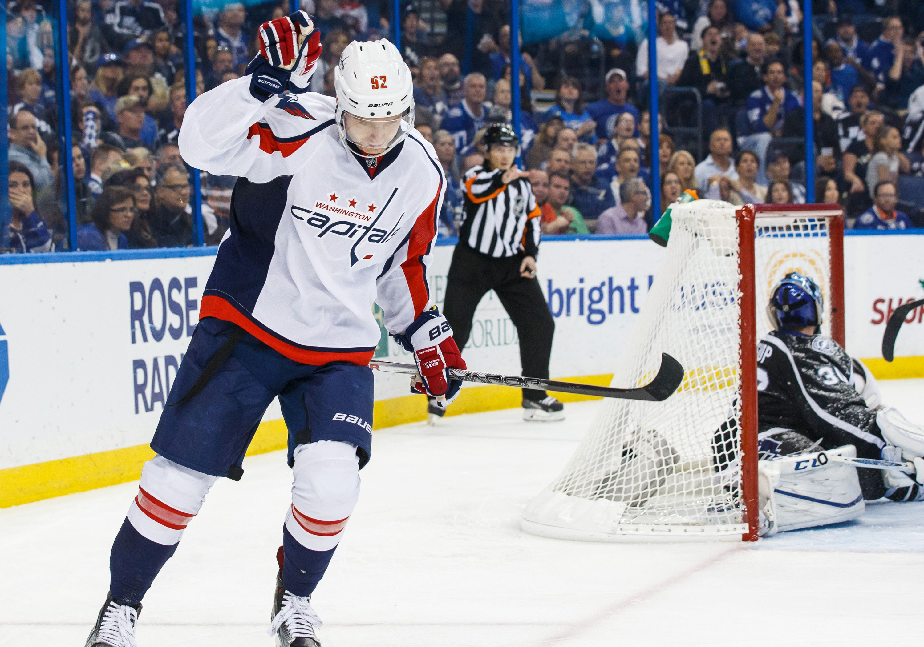 Game Recap Caps Holtby Hold Off Bolts 2 1 Holtby Makes 35 Stops 14 In The 3rd To Lead Caps To 20th Win Http Washington Capitals Cap Hockey Teams