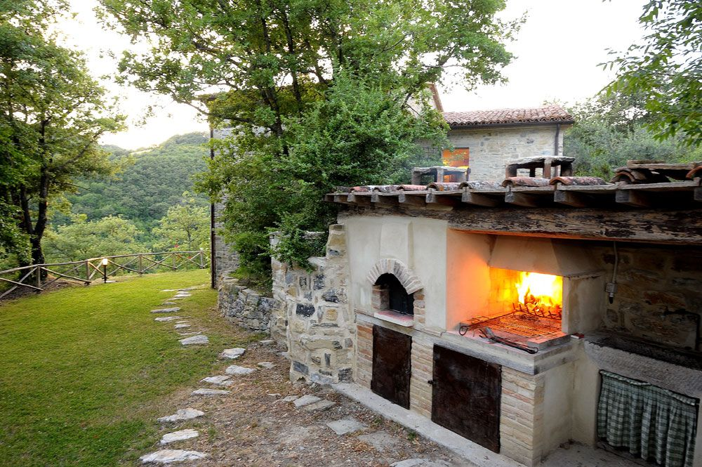 Summer dinner party pizza oven and bbq outdoor kitchen - Cucine all aperto ...