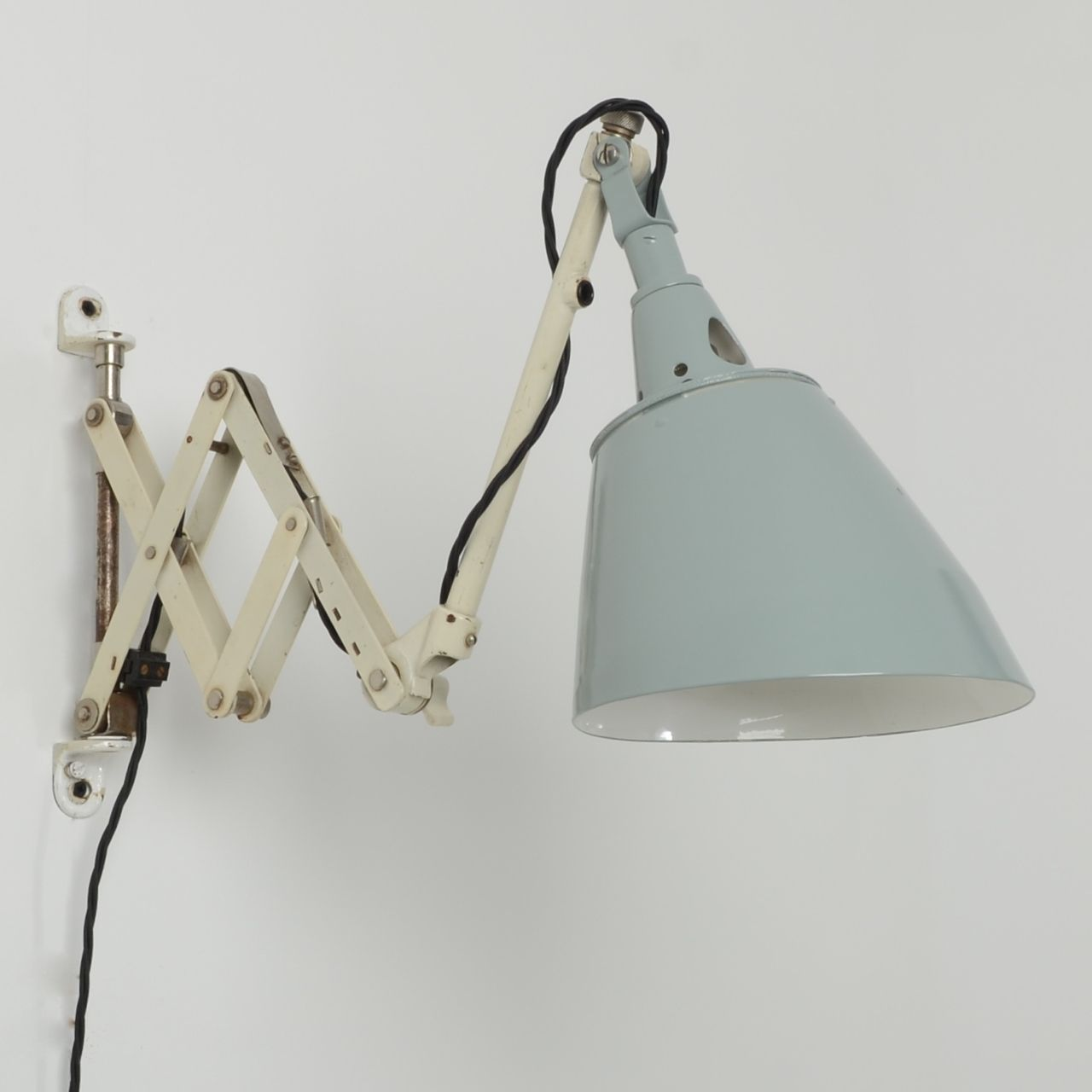 Trainspotters.co.uk   Vintage Midgard Scissor Wall Light Type 3