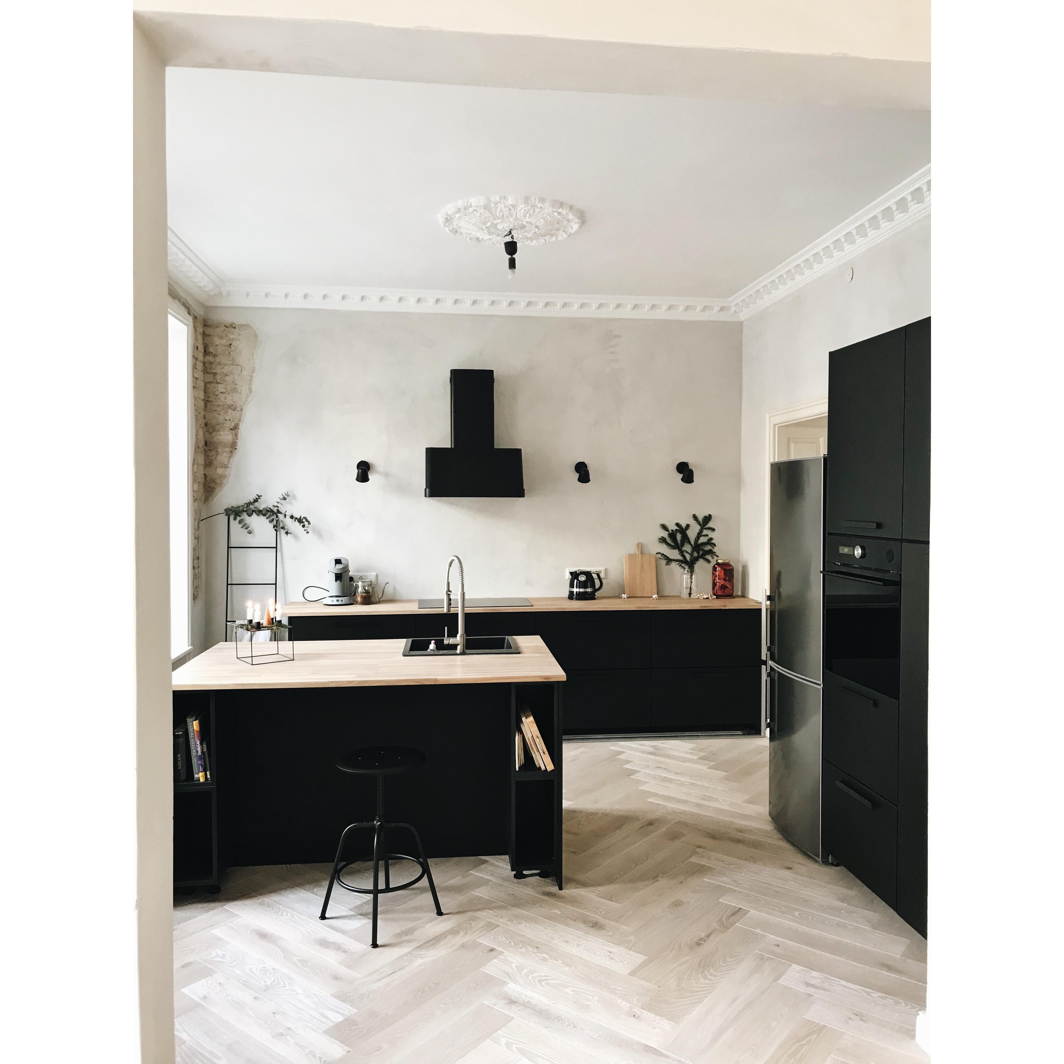 traumküche in schwarz #küche #schwarzeküche #altbau