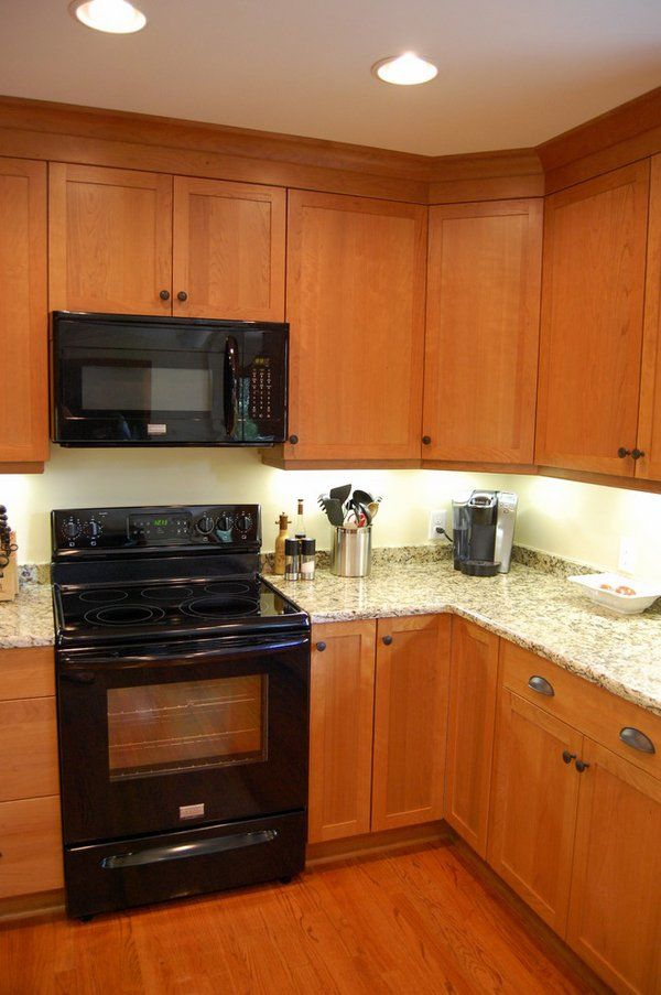 Cherry Wood Cabinets New Venetian Gold Granite Countertops