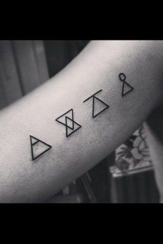 tattoo motive zum verlieben k rperschmuck f r die ewigkeit minimal tattoos pinterest. Black Bedroom Furniture Sets. Home Design Ideas