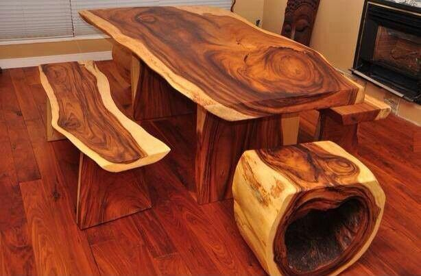 Superbe Cedar Wood Table And Chairs
