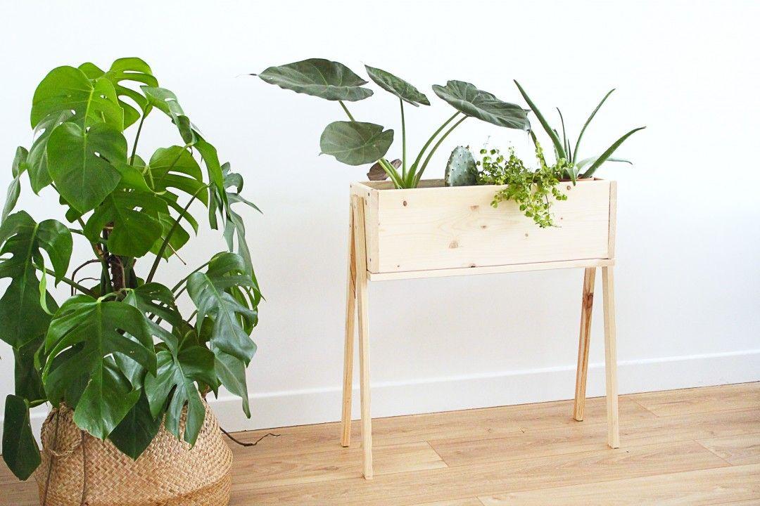 diy jardiniere sur pied fini 2 d co casa en 2019. Black Bedroom Furniture Sets. Home Design Ideas