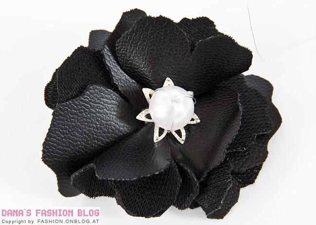 Diy leather flower ring diy diy jewelry pinterest for Leather flowers for crafts