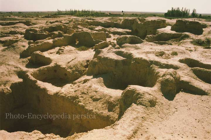 تپه حصار دامغان Tepe Hissar (Hesar), Damghan, 5th-3th Millennium BC تپه حصار، دامغان، هزاره پنجم تا سوم پیش از میلاد