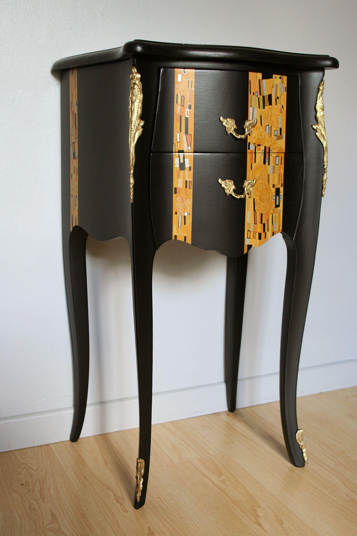 Commodine Style Louis Xv Relookee Inspiration Klimt Mobilier De Salon Relooking Meuble Refaire Les Meubles