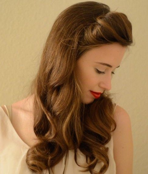 Vintage Half Up Half Down Hair You Must Try Pretty Designs Chic Hairstyles Hair Styles Vintage Hairstyles