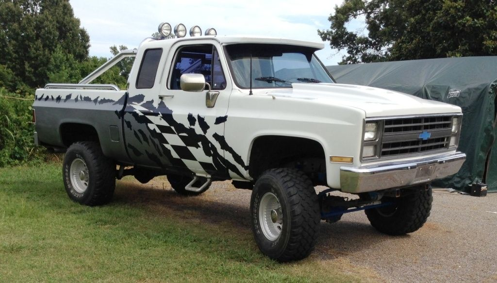 Rare! 1986 Chevy Custom Deluxe extended cab K10. These
