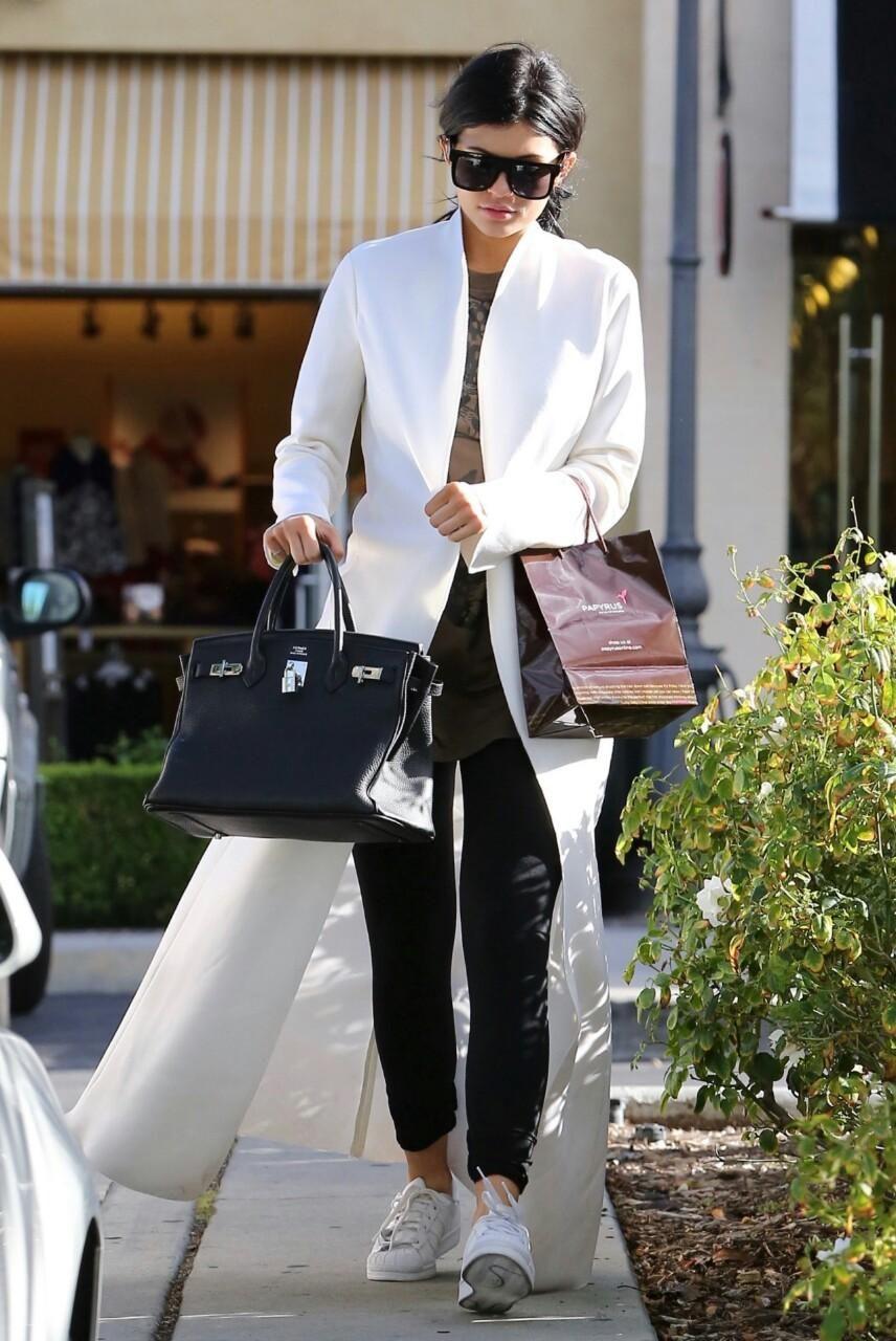 512b51a113b Kylie Jenner wearing Hermes Birkin Bag in Black