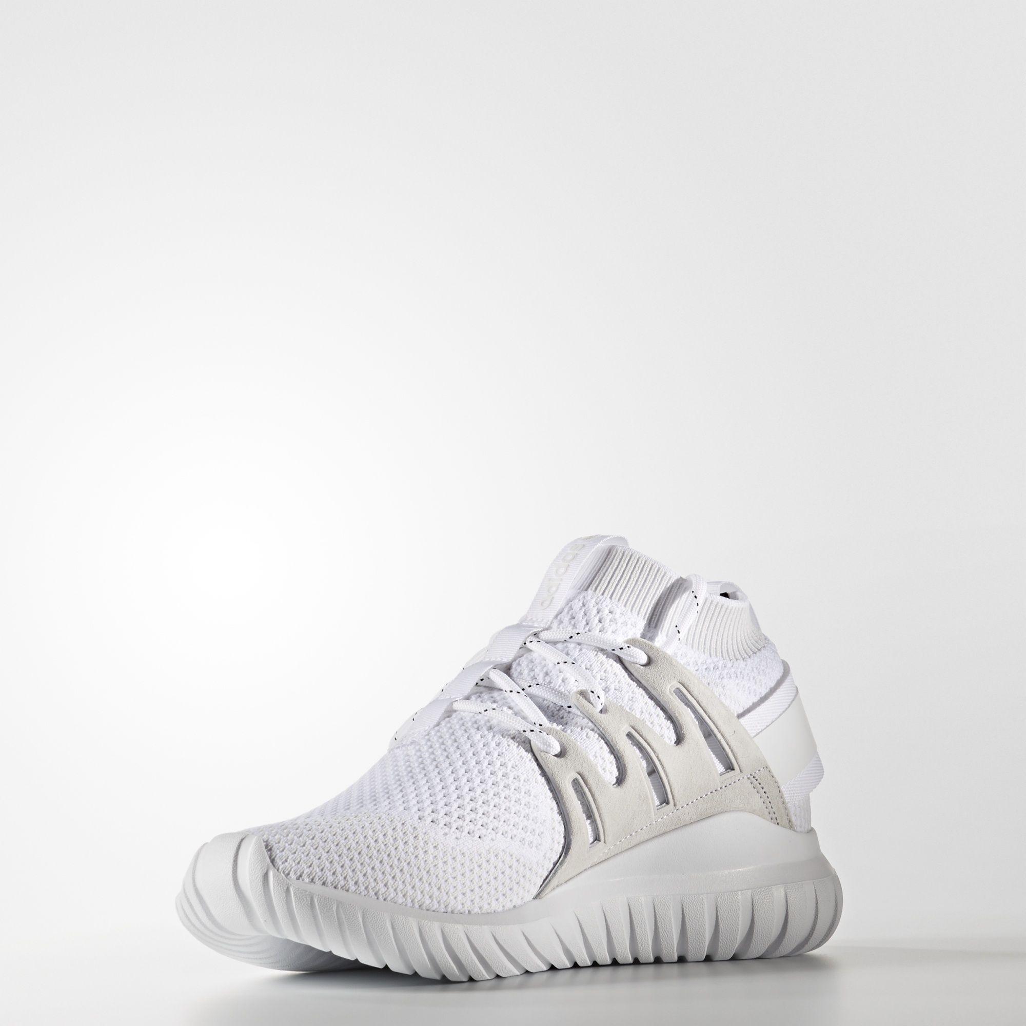 adidas, le real madrid a publié une trousse du foot