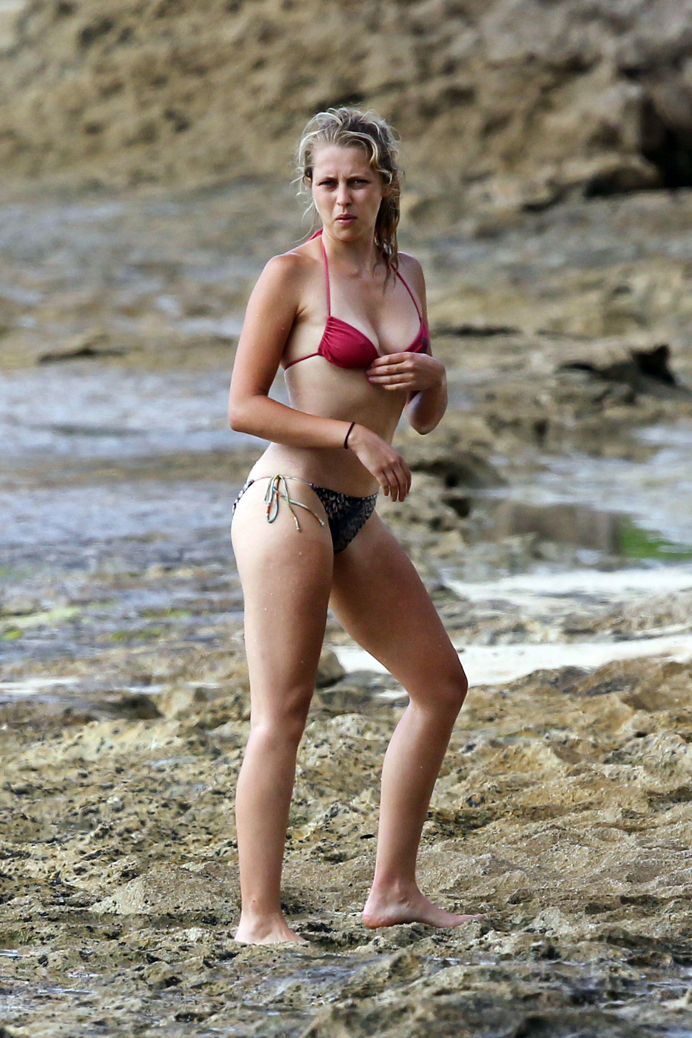 8067901b9f 27 Pics  - Teresa Palmer Bikini at the Beach in Hawaii July 20 2012 ...