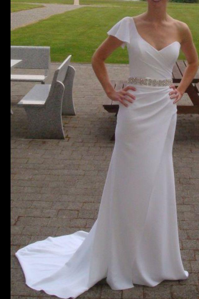 Love this Suzanne Neville dress!