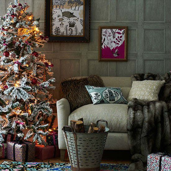 33 Best Christmas Country Living Room Decorating Ideas - Decoholic & 33 Best Christmas Country Living Room Decorating Ideas | Living room ...
