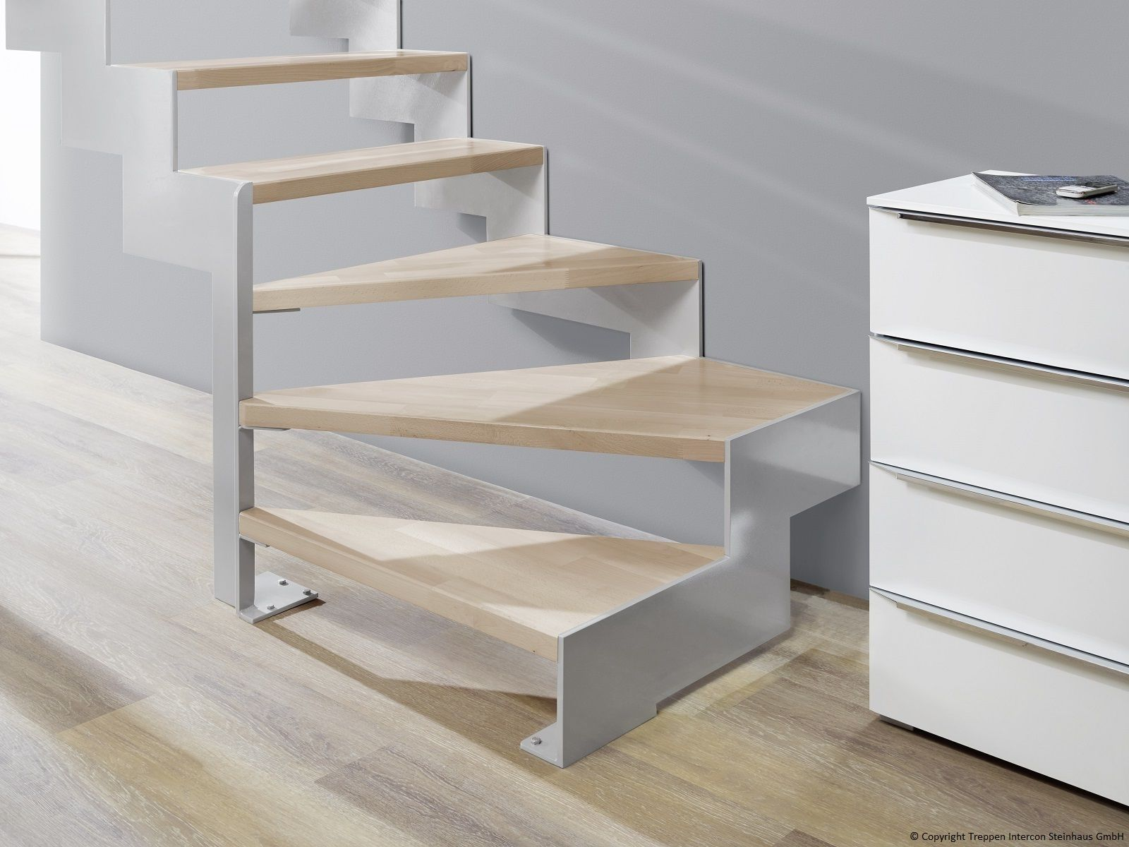 lasergeschnittene treppe 1 4 gewendelt als moderne. Black Bedroom Furniture Sets. Home Design Ideas