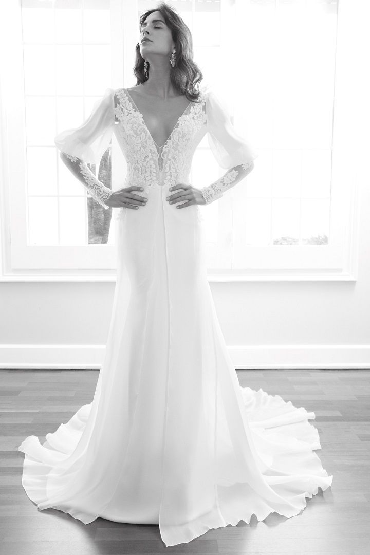 Alessandra Rinaudo 2018 Wedding Dresses | Long sleeve wedding dress v neck line #weddinggown #longsleeve #bridalcollection #bridalgown