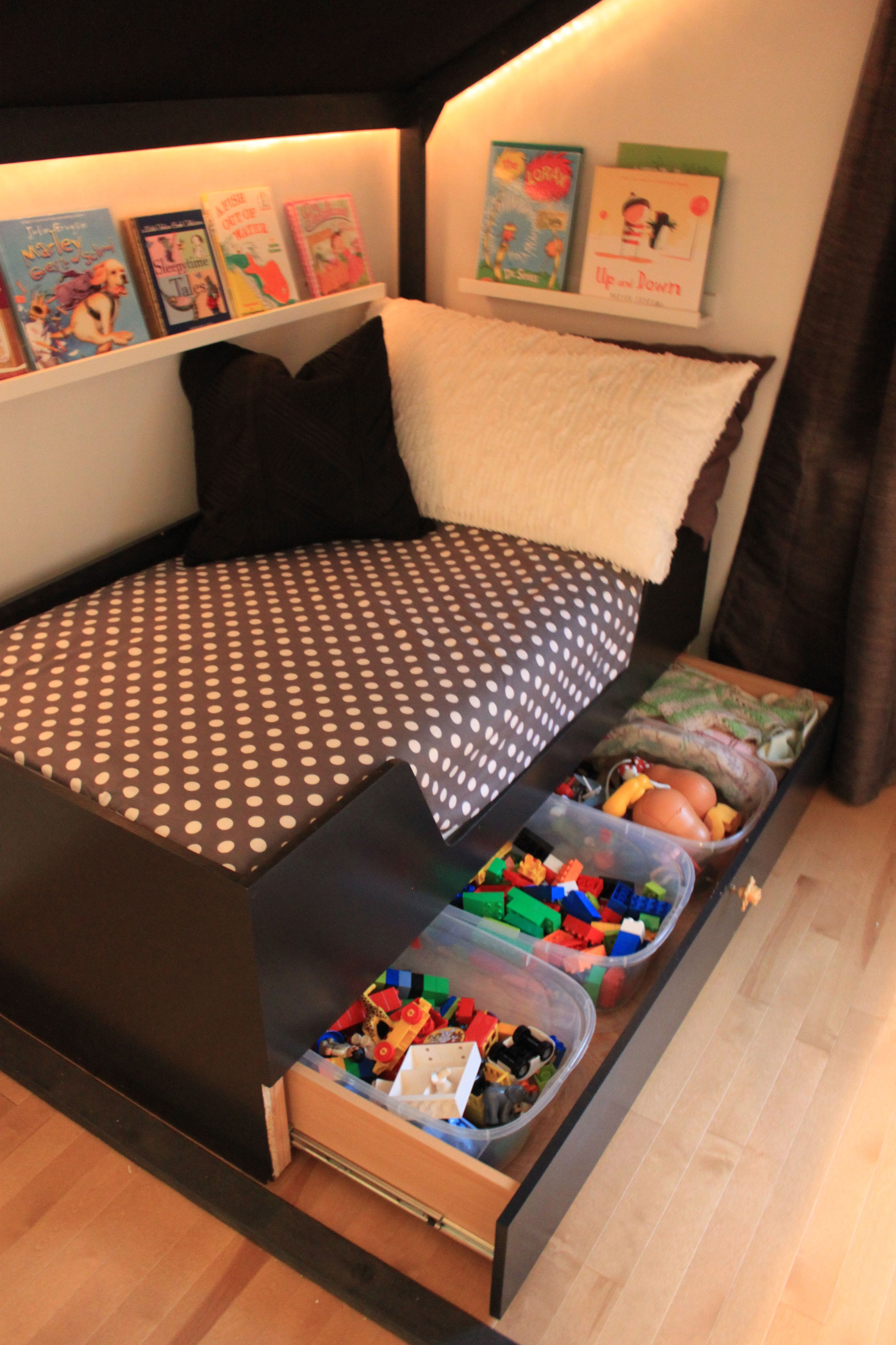 around the bed book display under bed toy storage or linen storage in guest bedroom kids. Black Bedroom Furniture Sets. Home Design Ideas