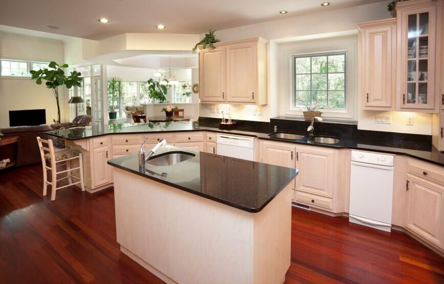 36 Inspiring Kitchens With White Cabinets And Dark Granite Pictures Wood Floor Kitchen Floors Black Countertops
