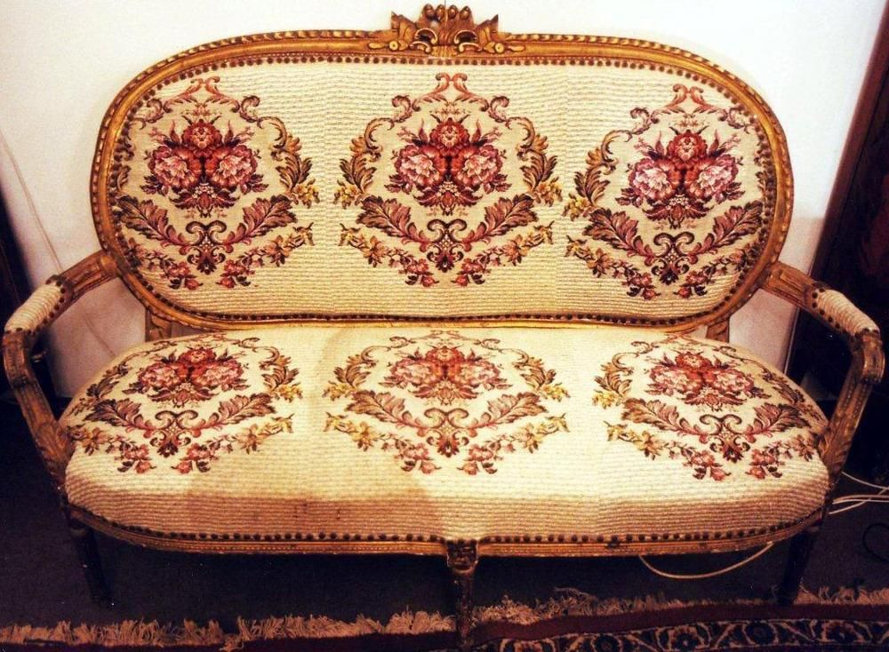 Liegemöbel gold sofa sitz liege möbel barock rokoko louis seize xv xvi