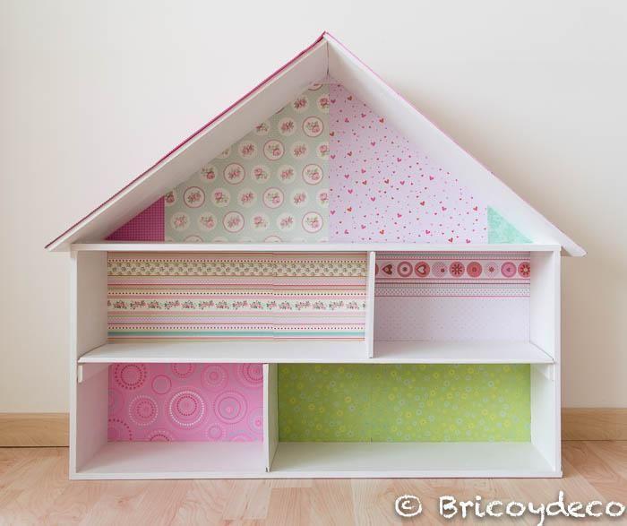 Librería y casa de muñecas hecha con una caja de madera