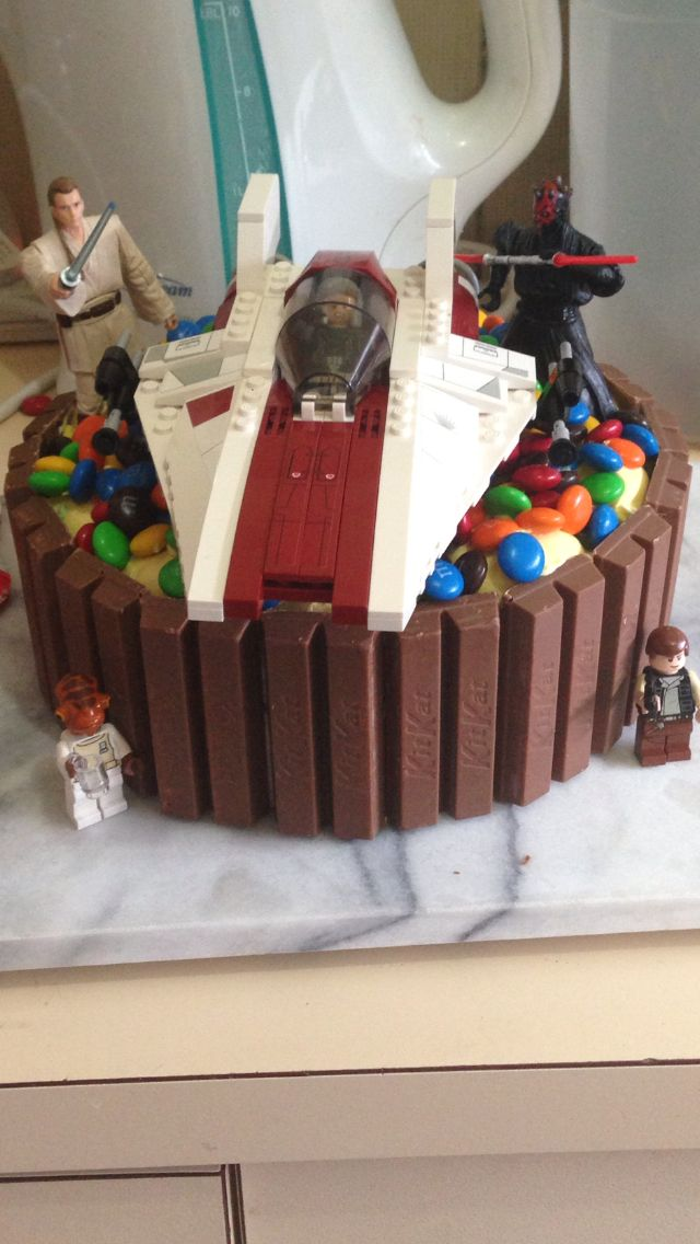 Star Wars Ice Cream Cake With Images Star Wars Cake Easy Star
