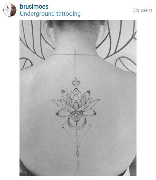 Flor De Lotus Tattoos Na Coluna Tatuagem E Tatuagem Ornamentada