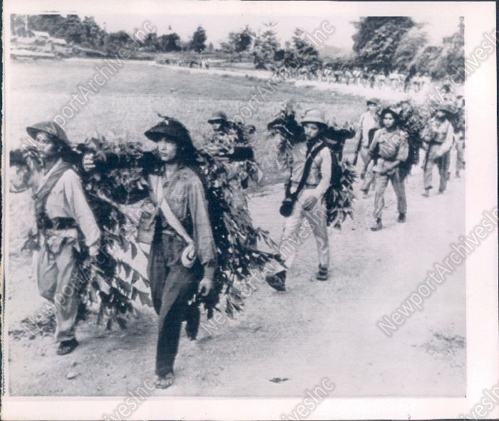 1965 Viet Cong GUERRILLAS Carried Camo Weapons