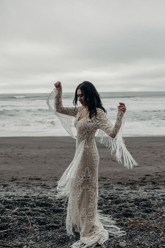 20 Dreamy Boho Room Decor Ideas: 20 Stylish Fringe Wedding Dresses For Bohemian Brides