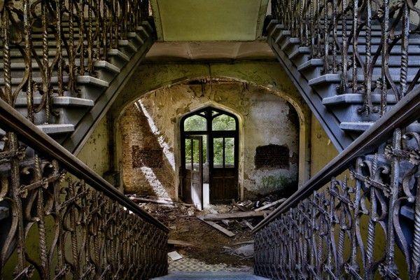 Elegance - Château de Mesen at Opacity: Abandoned Photography