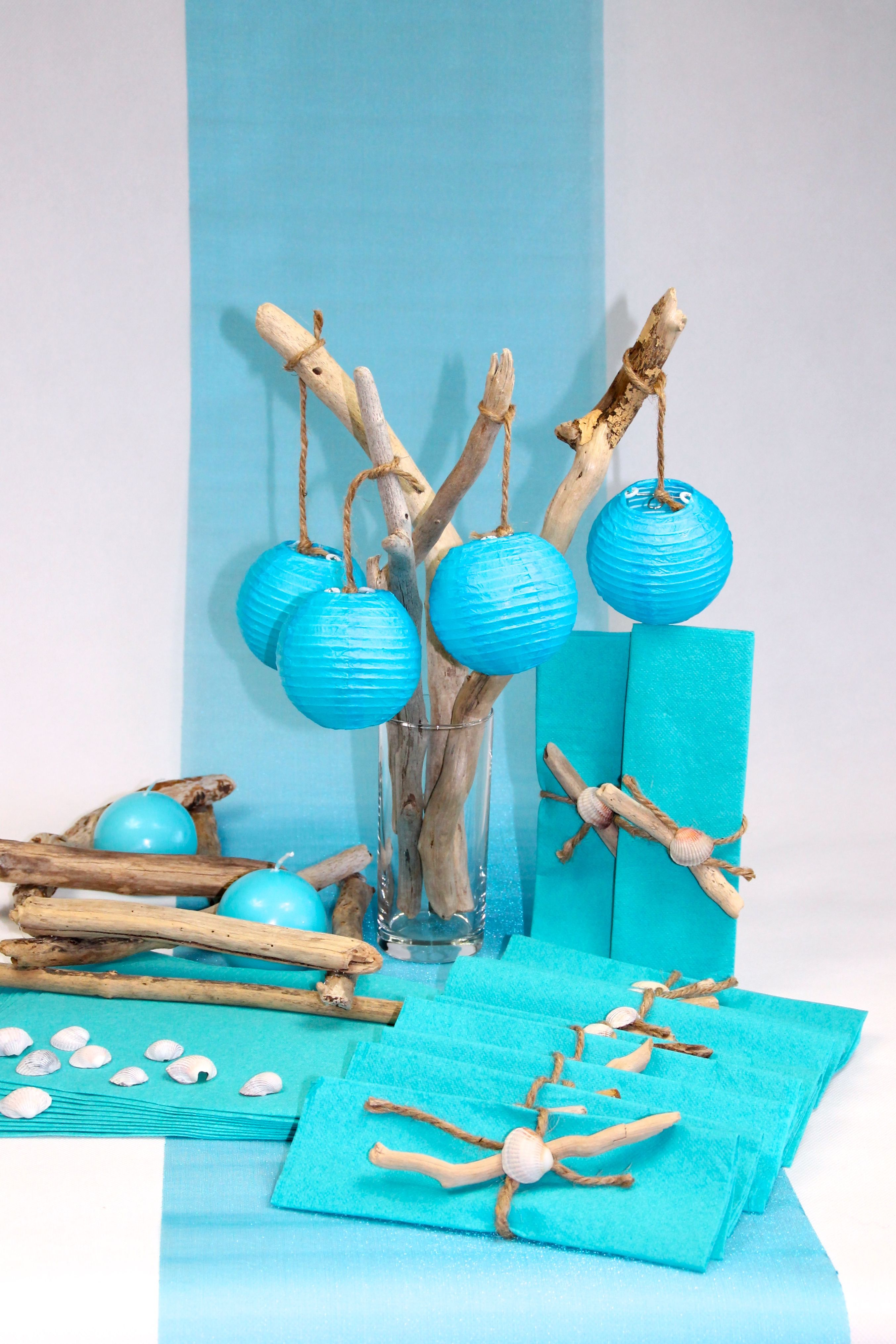 deco de table bois flott lampions bleu dispo pr te poser sur. Black Bedroom Furniture Sets. Home Design Ideas