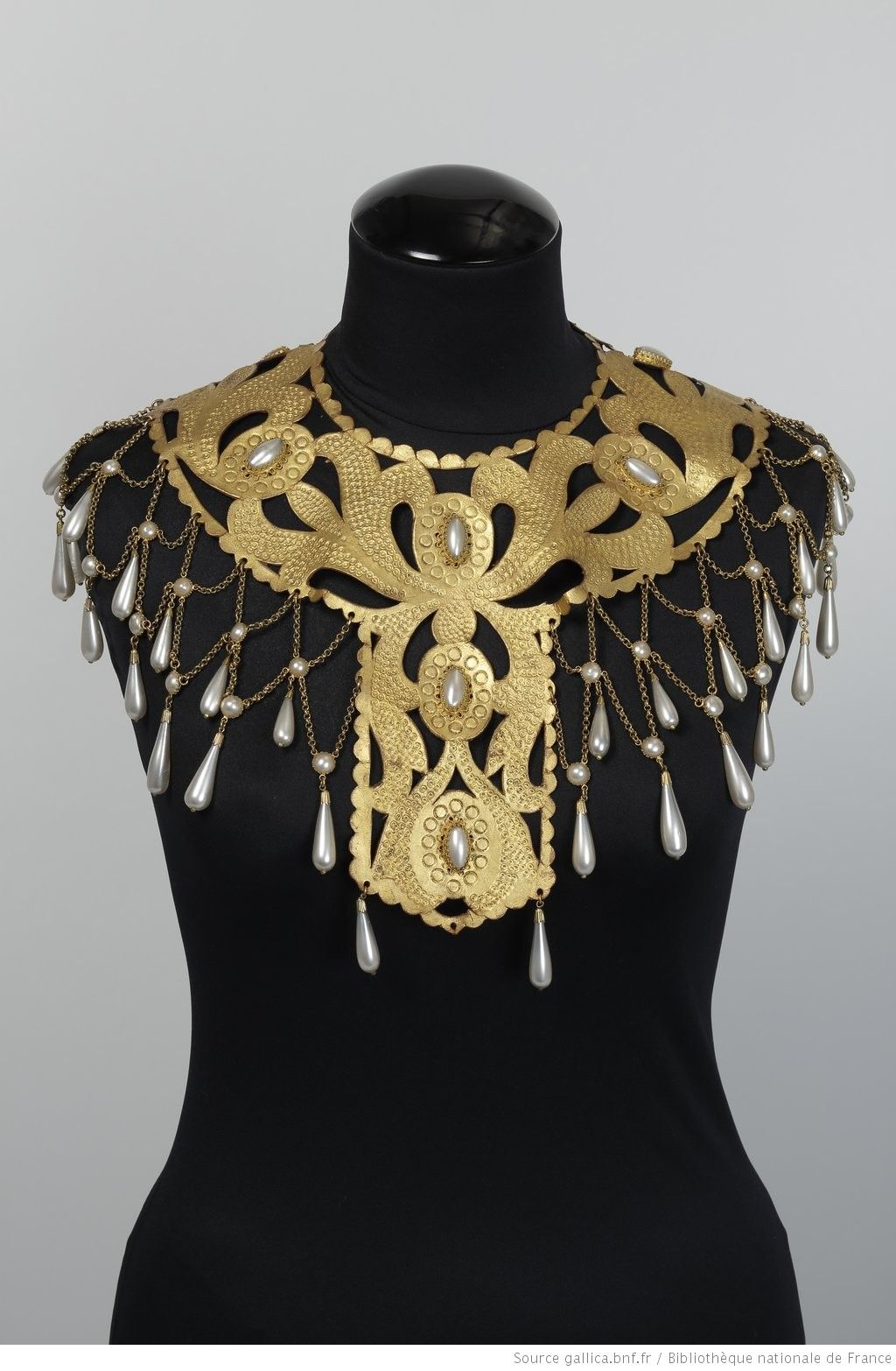 collier perle opera garnier
